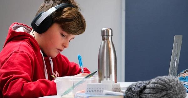 Cum pot parintii sa-si ajute copiii atunci cand se confrunta cu probleme de concentrare?