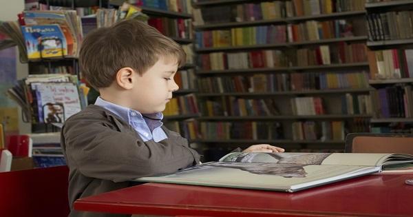 Anticariatul Printre Carti cumpara manuale scolare dar si carti vechi