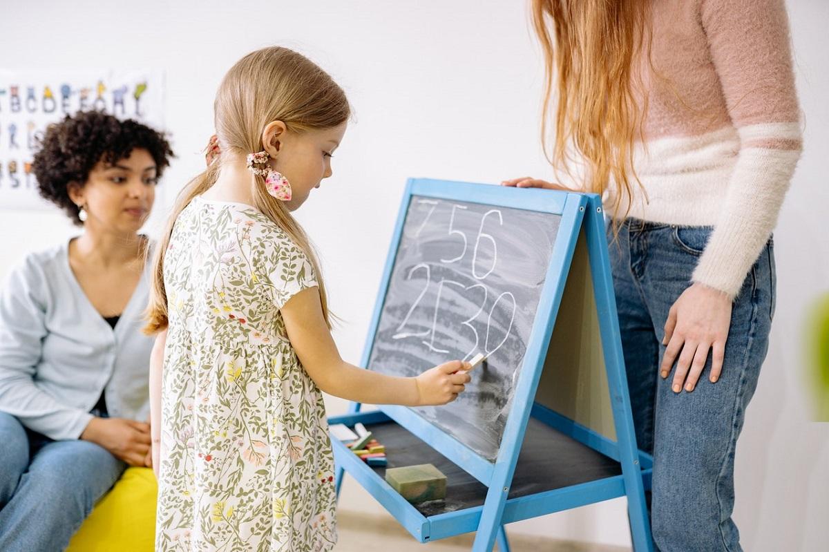 Cum faci lectiile mai interactive, fata in fata sau online