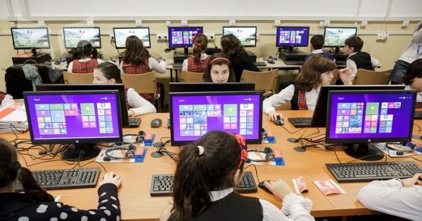 Primul judet din Romania cu scoli complet digitalizate a fost anuntat. Ce finantare primeste