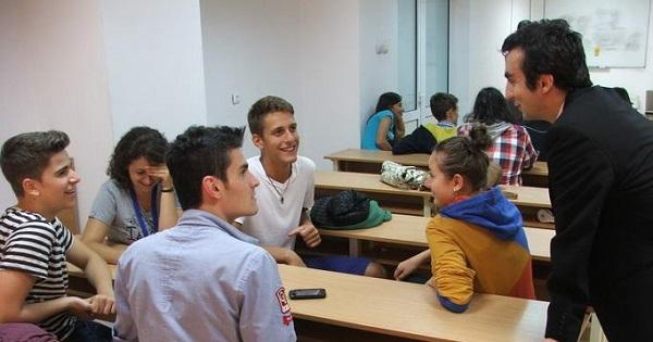 Elevii se intorc la scoala in semestrul al II-lea