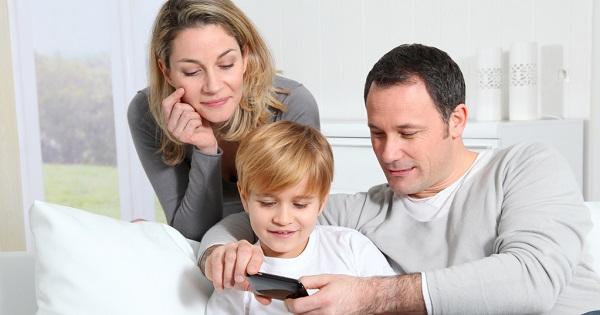 Zile de concediu in plus pentru parintii cu copii mai mici de 10 ani