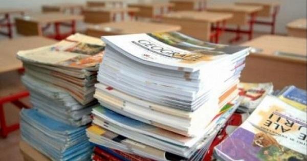 Procedura realizarii manualelor pentru anul scolar 2020-2021 a fost demarata