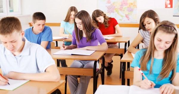 E oficial! Se micsoreaza numarul elevilor in clasa: de la 28 la 24 sau 26 de elevi, anunta Ministerul Educatiei