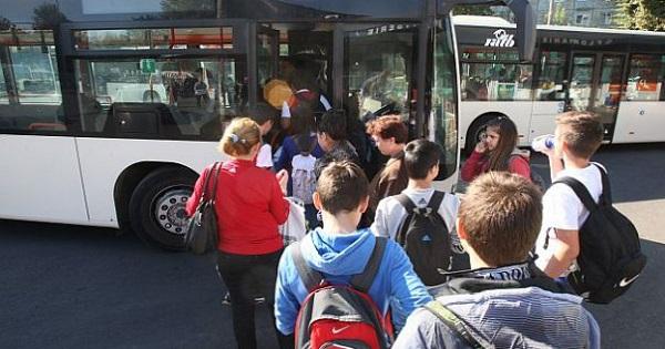 Anunt de la Ministerul Educatiei: transport gratuit pentru elevi din anul scolar 2020-2021