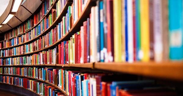 O scoala a eliminat 200 de carti din biblioteca. Ce motiv a stat la baza deciziei?