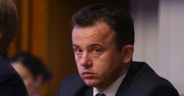 """Ministrul Liviu Pop, gafa la motiunea pe Educatie: """"Greselile se pot corecta. Erorile nu"""""""