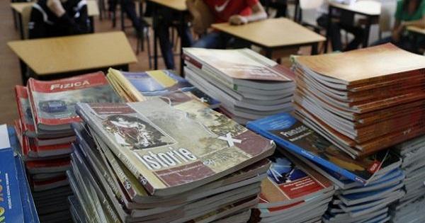 Este oficial: Manualele vor fi tiparite doar de Ministerul Educatiei