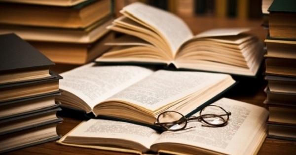 Noutati la Evaluarea Nationala 2021. Parintii cer eliminarea Textului Dramatic din programa pentru Limba Romana