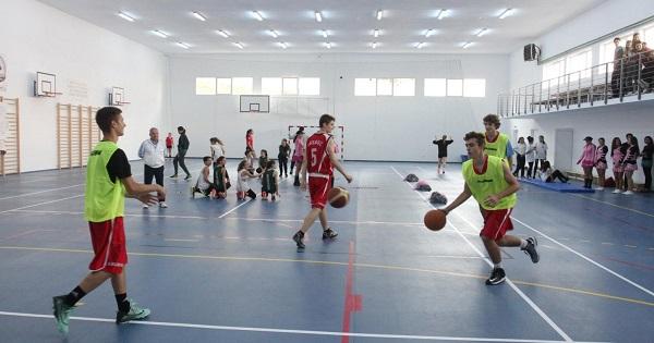 Sportul va fi obligatoriu la Bacalaureat. Minimum 3 ore de sport pe saptamana la scoala si alte 2 ore de