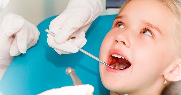 Primaria infiinteaza doua cabinete stomatologice pentru elevi. Afla in ce oras si ce aparatura au