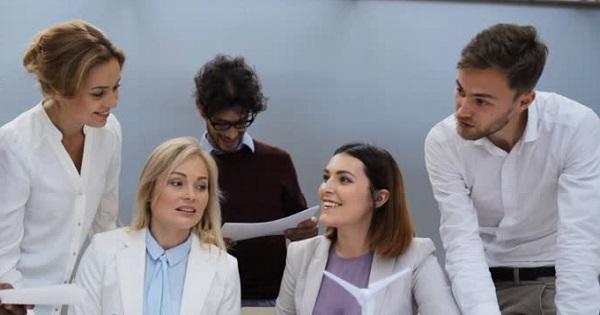 Vesti noi despre auxiliare: profesorii le propun, parintii le aproba. Ce trebuie sa faca dirigintii