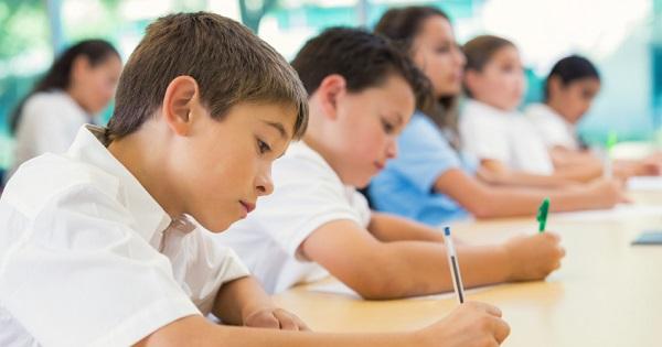 Burse de 30 de lei pentru elevii din sectorul 4 al Bucurestiului