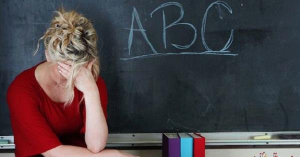 Decizie soc in invatamant. Peste 500 de scoli comasate si profesori dati afara