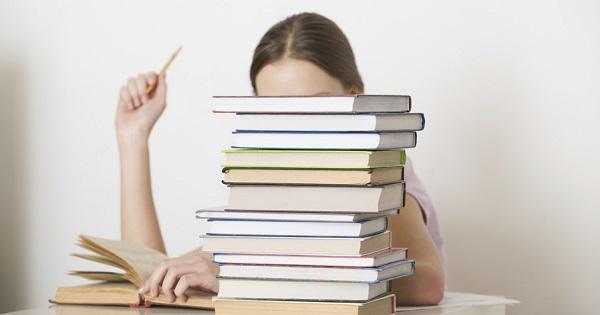 Genul dramatic - model de eseu pentru Evaluarea Nationala 2020 de la clasa a VIII-a