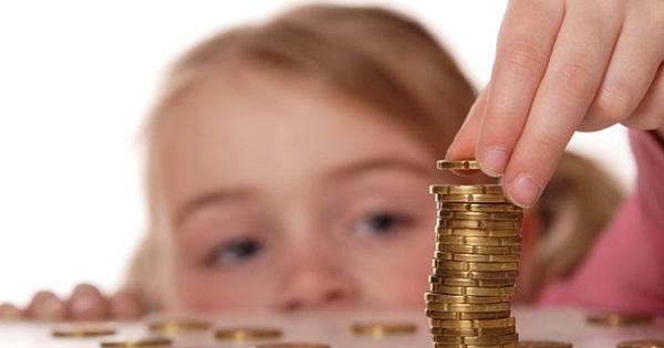 Educatia financiara la copii. 3 lectii pe care ar trebui sa le invete de la parinti