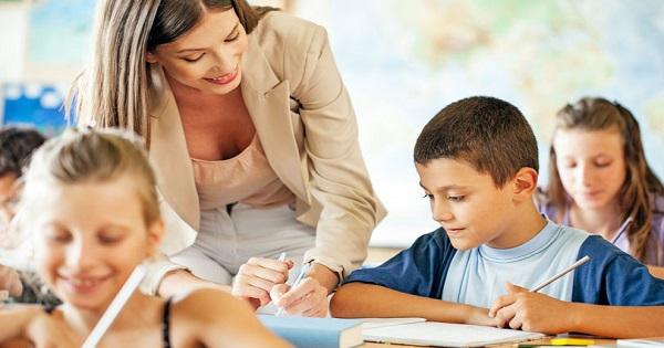 Fise pentru profesori: cum sa integrati notiuni de educatie financiare in materiile pe care le predati deja