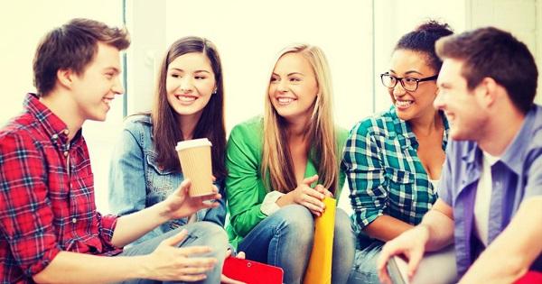 De doua ori mai multi bani pentru proiecte Erasmus. Tinerii pot studia in strainatate