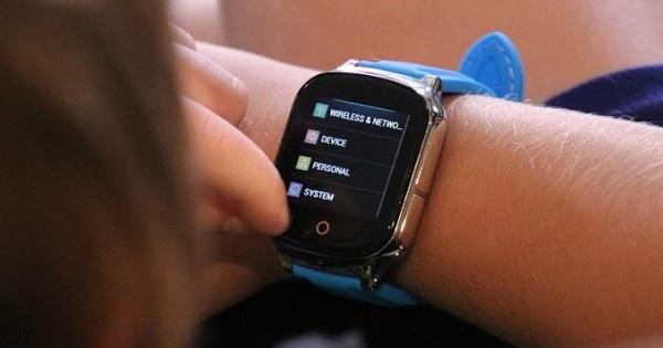 Ceasuri cu buton de panica pentru elevi. Primaria le cumpara din toamna