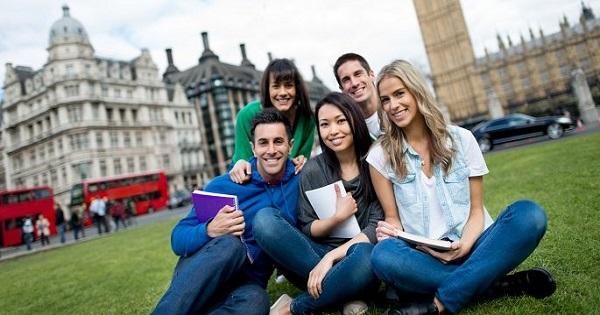 Copilul dvs. vrea sa studieze in strainatate? Vedeti ofertele celor mai cautate centre universitare
