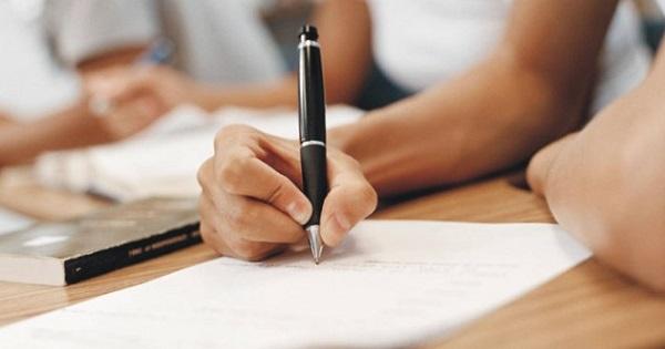 Evaluarea Nationala pentru clasa a VIII-a va fi obligatorie pentru toti elevii, inclusiv cei in stare de corigenta
