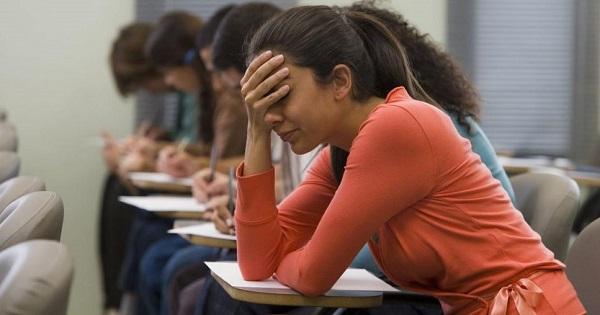 Noua propunere a ministrului Educatiei: simulare la BAC in fiecare an, de la clasa a IX-a pana la clasa a XII-a