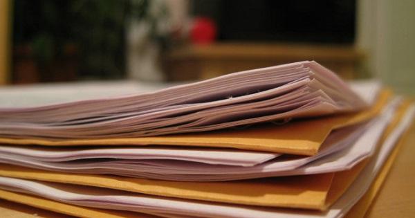 Cat au crescut salariile din Ministerul Educatiei: intr-un an, un sef de birou a ajuns de la 8.000 de lei la 10.600 de lei