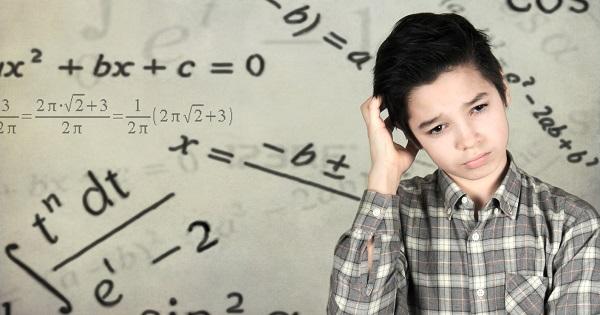 """""""Sindromul gandirii accelerate"""" la elevi, o noua provocare pentru profesori"""