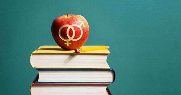 Se mai introduce educatia sexuala in scoli? Gabriela Firea: