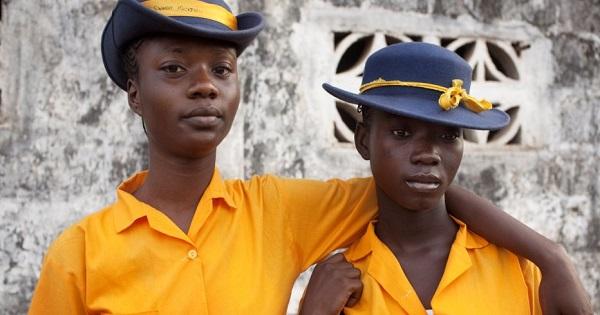 Uniforme scolare. Cum arata uniformele elevilor in 10 tari ale lumii