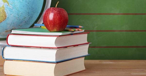 Directorii si directorii adjuncti ai scolilor NU vor mai putea avea functii de conducere in vreun partid