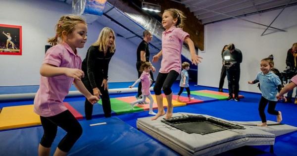 Selectie pe 15 decembrie. Cursuri gratuite de gimnastica si educatie fizica pentru copii organizate de GymNadia