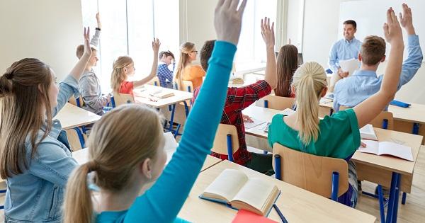 Invatamantul secundar superior. Informatii complete despre curriculum, predare, metode, competente-cheie