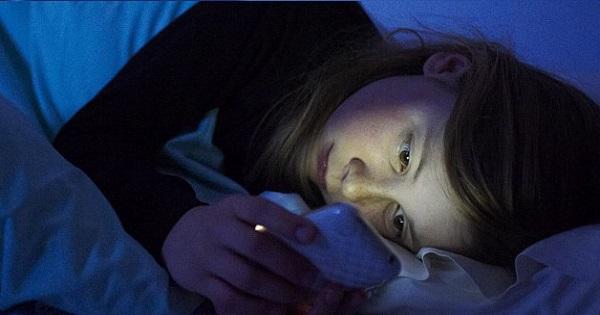 De cat somn are nevoie un elev? Cat trebuie sa doarma copiii, in functie de varsta