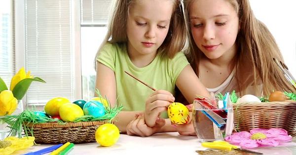 Pastele inseamna cadouri pentru toata familia! Reduceri de 50% si transport gratuit la ghiduri pentru copii si adulti