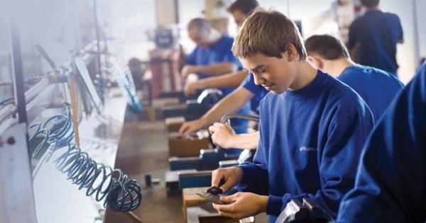 Incepe inscrierea in invatamantul profesional si tehnic 2020. Lista scolilor profesionale, Fisa de inscriere si Calendarul complet pentru admitere