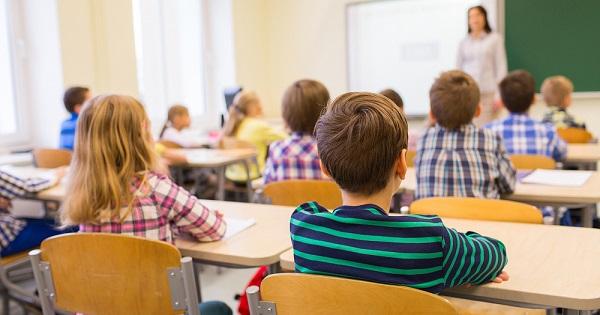Cine merge de maine la scoala? LISTA SCOLILOR in scenariul verde si galben din fiecare judet, anuntata de Ministerul Educatiei