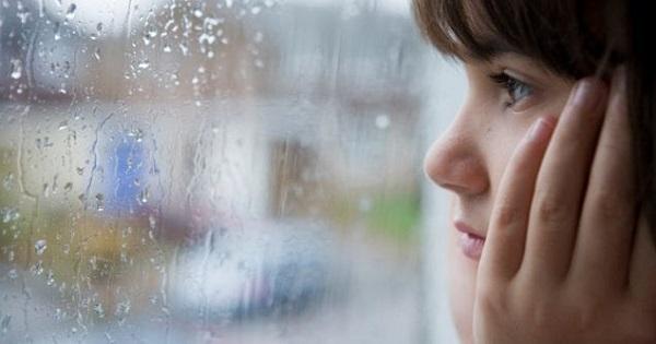 """Se inchid scolile din cauza furtunilor. Ministrul Educatiei: """"Ar fi inacceptabil sa punem copiii sub risc"""""""
