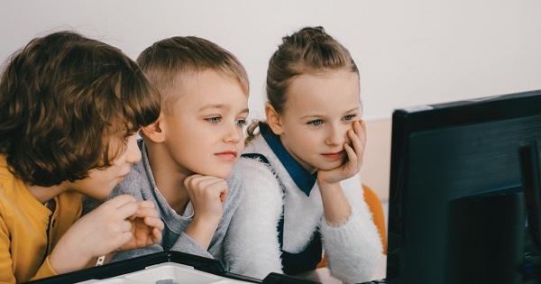 EduClick - 1.000 de calculatoare, donate catre scoli. Pasii de urmat pentru inscrierea in concurs