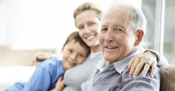 Copiii, obligati prin lege sa-si intretina parintii sau bunicii. Legea prevede chiar pedepse cu inchisoarea