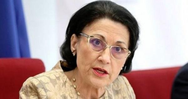 Ecaterina Andronescu a fost DEMISA de la ministerul Educatiei. Premierul a facut anuntul oficial