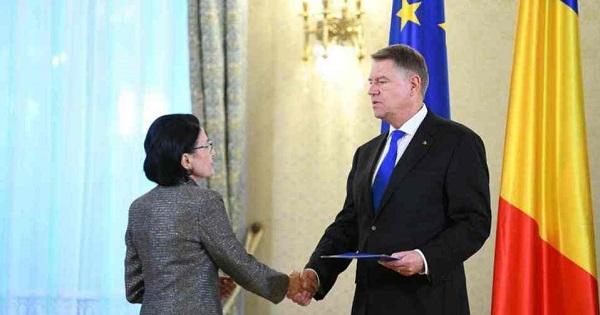 Presedintele a semnat decretul de revocare a Ecaterinei Andronescu. Daniel Breaz, noul ministru interimar