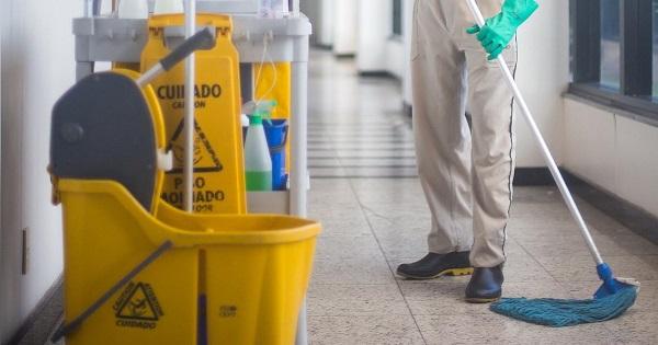 Parintii, avertizati sa nu contribuie cu bani pentru igienizarea si reabilitarea scolilor