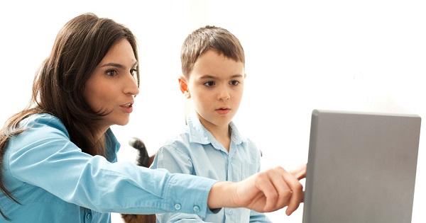 Monica Anisie: NU se pun note la scoala online. Se pot nota elevii doar la revenirea la cursuri