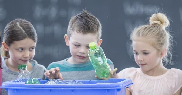 O noua schimbare in scoli. Pubele pentru reciclare selectiva, obligatorii. Riscam amenzi enorme