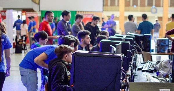 Concurs de gaming gratuit pentru tineri. Premii in valoare de 3.000 de euro