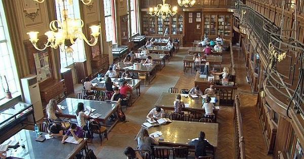 Top 5 cele mai frumoase biblioteci din Romania