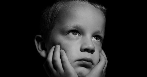 Cum sa ferim copilul de durerile de gat