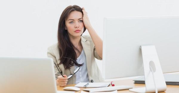 CRED 2020, cursuri online. Profesorii sunt evaluati prin sustinerea unor teme din portofoliu, in cadrul unui webinar