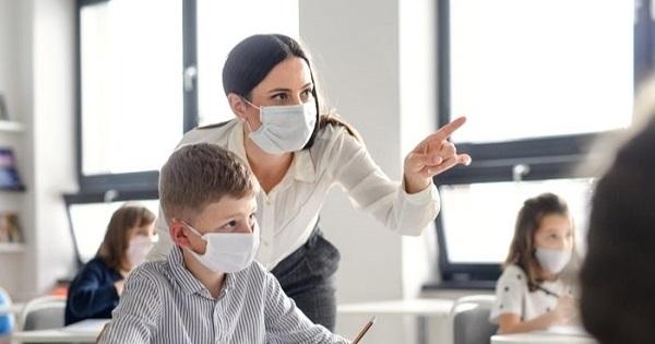 ITM-ul precizeaza foarte clar: mastile de protectie trebuie acordate GRATUIT si OBLIGATORIU de catre angajator